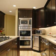 Modern Kitchen by The Kitchen Master