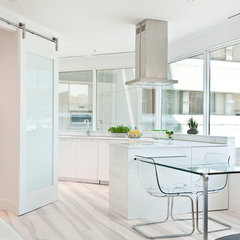 modern kitchen by Total 360 Photography