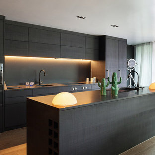 75 Beautiful Kitchen With Black Cabinets And Laminate Countertops Pictures Ideas April 2021 Houzz
