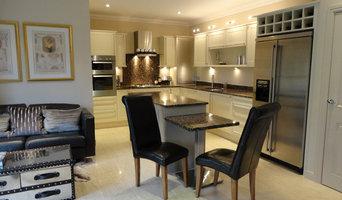 Modern Kitchen Family Room
