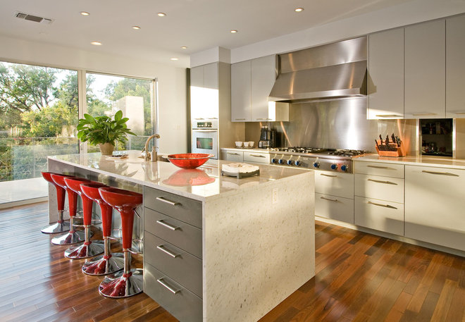 Contemporary Kitchen by Foursquare Builders