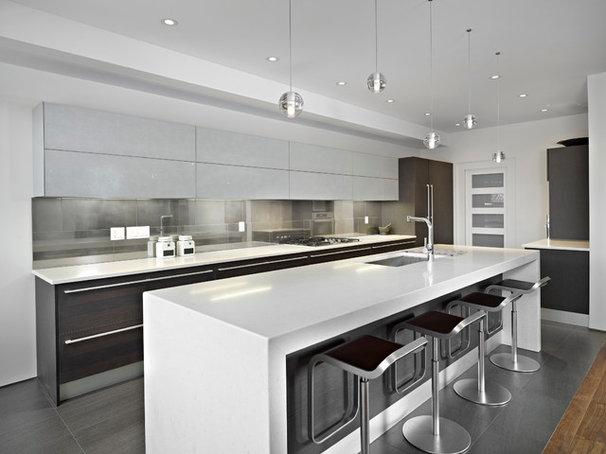Modern Kitchen by Habitat Studio