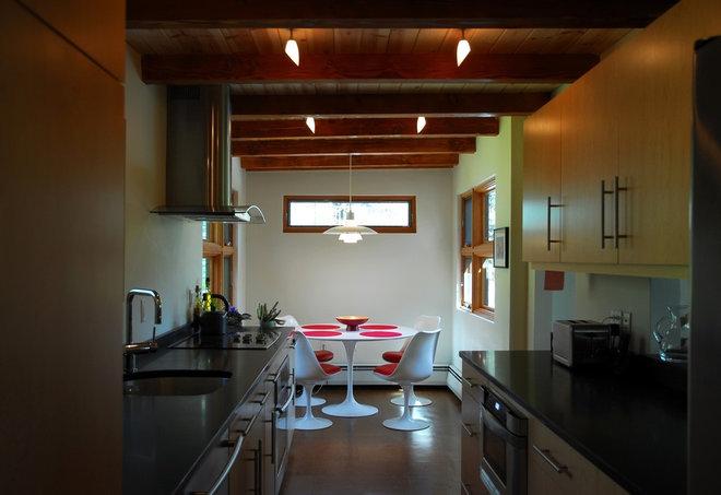 Modern Kitchen by Hammer Architects