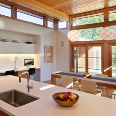 Modern Kitchen by Hammer Architects