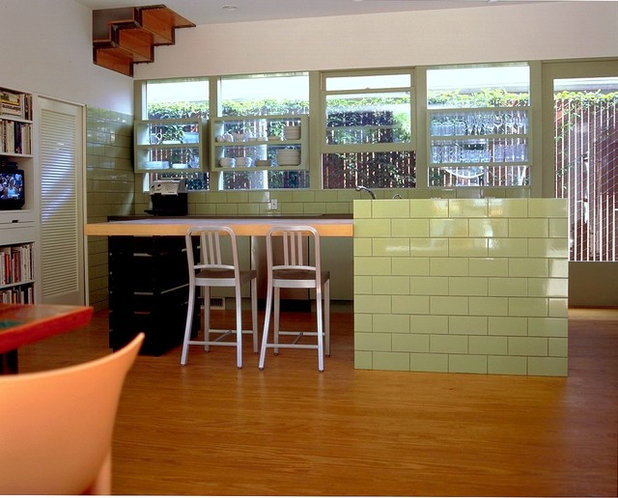 Modern Kitchen Modern KitchenBar Stools  What Style  What Finish  What Size . Should Your Bar Stools Match Your Dining Chairs. Home Design Ideas