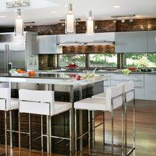 Modern Kitchen by Kuche+Cucina