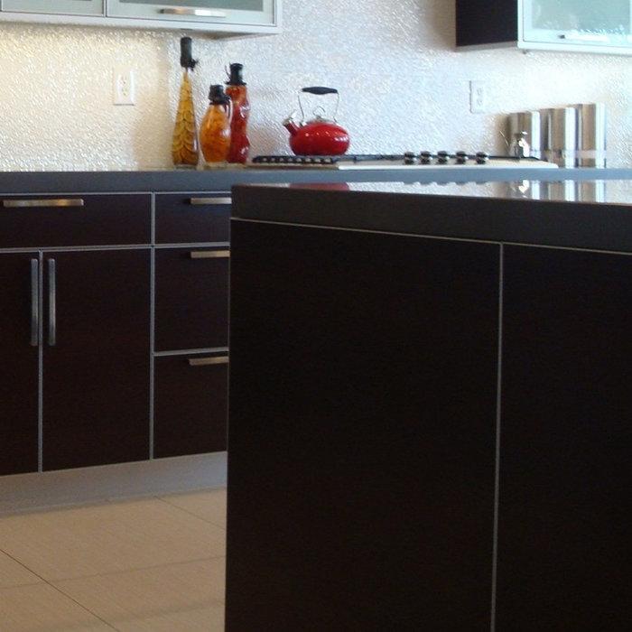 Modern Kitchen in Victorsville