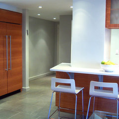 modern kitchen by 1 2 1 S T U D i O . C O M