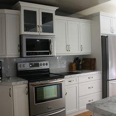 Contemporary Kitchen by Elite Kitchens & Decor