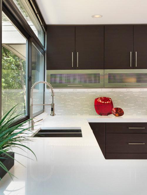 geschlossene k che mit r ckwand aus st bchenfliesen ideen bilder. Black Bedroom Furniture Sets. Home Design Ideas