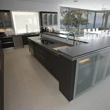 Modern Kitchen by Rick Ryniak Architects