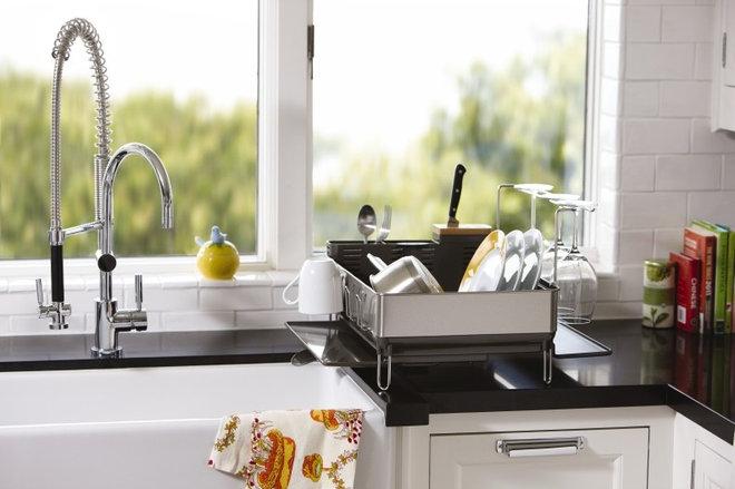 Modern Kitchen by simplehuman