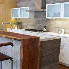 Modern Kitchen by SLIC Interiors