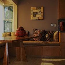 Modern Kitchen by Harmonique Home