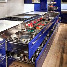 Modern Kitchen by Wende Woodworking LLC