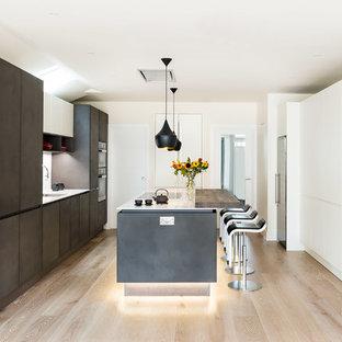 Modern Kitchen with Island and Breakfast Bar - Southfields, London