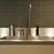 Modern Kitchen by Workshop/apd