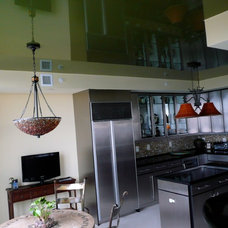 Modern Kitchen by High Tech Ceiling