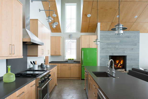 Contemporary Kitchen by Radiant Homes