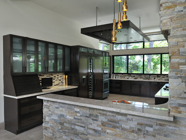 Contemporary Kitchen by Hann Builders