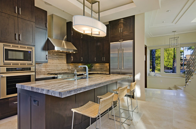 Modern Kitchen by Laura Hay DECOR & DESIGN