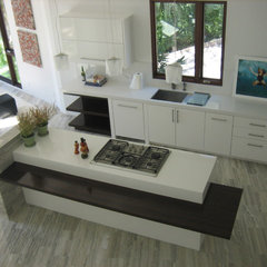 modern kitchen by Kevin O'Connor