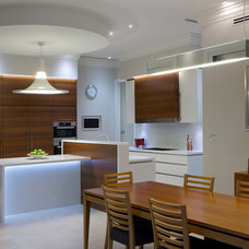 Contemporary Kitchen by MMM Interiors