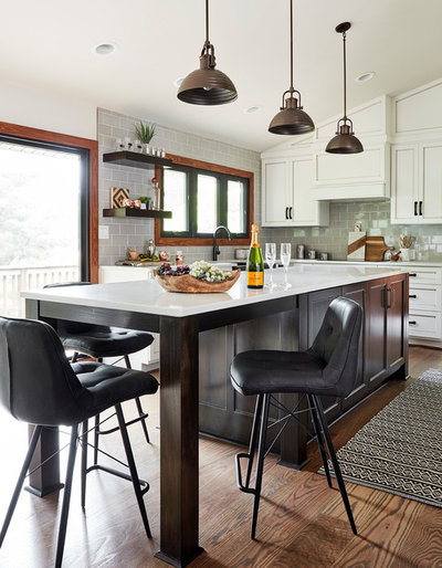 Rustic Kitchen by CIRCLE Design Studio