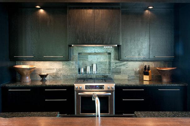 Modern Kitchen by Dianne Davant and Associates