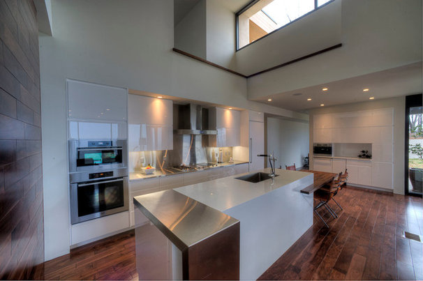 Modern Kitchen by Norcia Fine Cabinetry