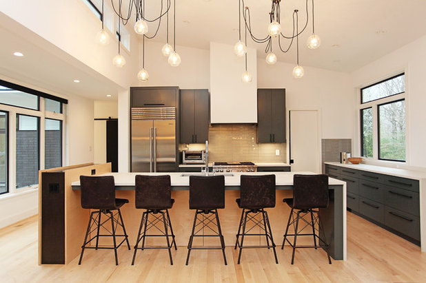 Contemporary Kitchen by Jacy Painter Kelly