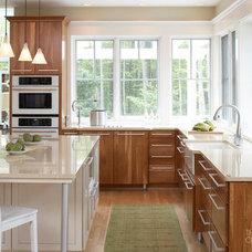Modern Kitchen by Buyer's Market