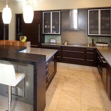 Contemporary Kitchen by Klar Interior Design