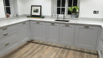 Modern painted bespoke shaker kitchen - Made in Sheffield.