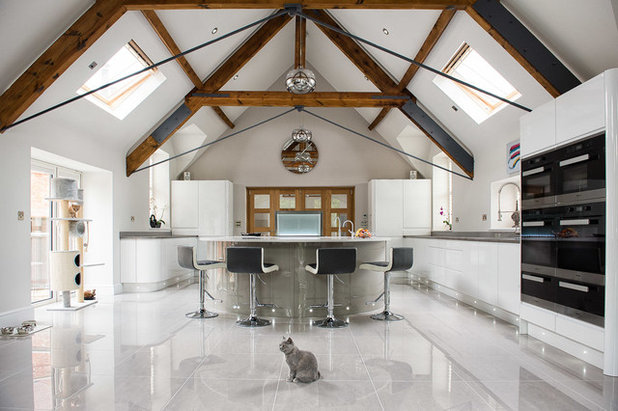 Contemporary Kitchen by Charnwood Kitchens & Interiors Ltd