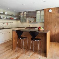 Modern Kitchen by HMH Architecture + Interiors