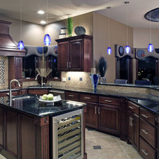 Traditional Kitchen by D3 Interiors