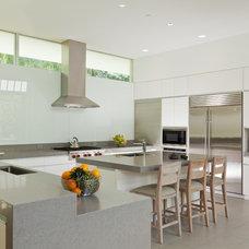 Modern Kitchen by Lencioni Construction