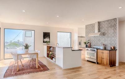 Sleek Kitchen Design Highlights the Views