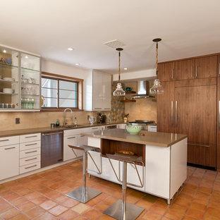 Modern kitchen remodeling - Inspiration for a modern kitchen remodel in Los Angeles