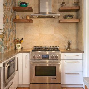 Modern kitchen photos - Minimalist kitchen photo in Los Angeles