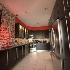 Modern Kitchen by Jeremy Parcels - S&W Kitchens, Inc.