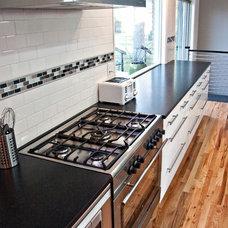 Modern Kitchen by designs by human.
