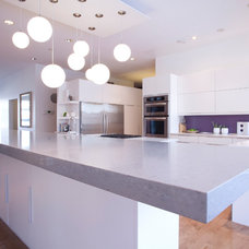 Modern Kitchen by Filo Plus