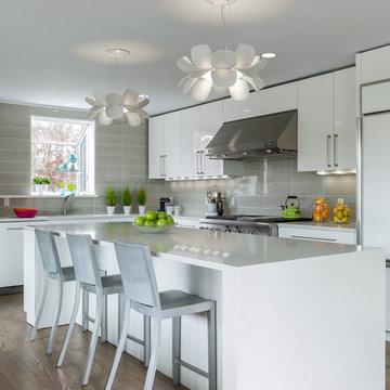 Modern White Kitchen in Rowayton
