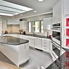 Modern Kitchen by Kitchen Choreography