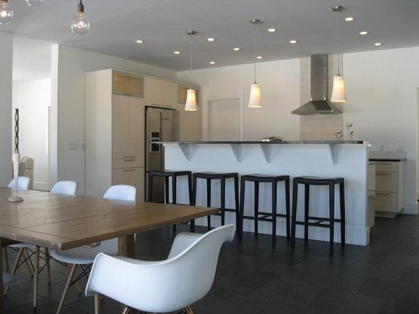 Modern Kitchen by studio m     design