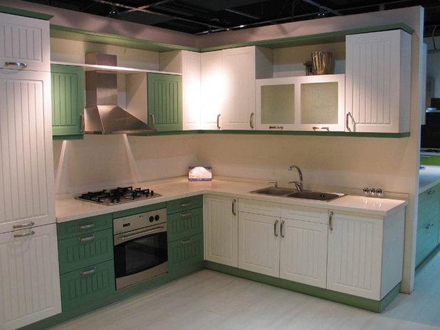 Kitchen by CHOICE INTERIOR DESIGNS
