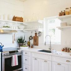 Farmhouse Kitchen by Bohler Builders Group, Inc.