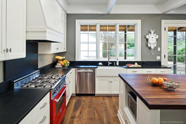 Traditional Kitchen by Stuart Sampley Architect